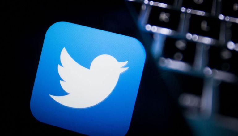 """Twitter, redes sociales: Twitter activó el """"modo nocturno"""" para todos sus usuarios"""