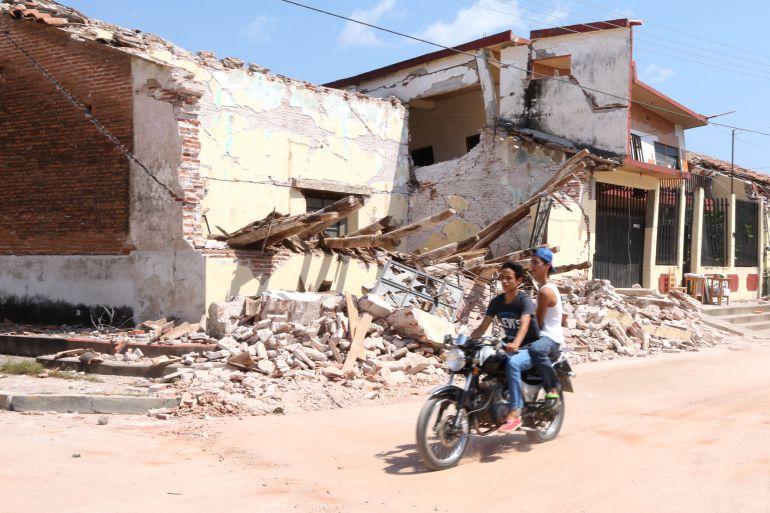 Sismo presidente chiapas pide epn a constructoras for Constructoras de viviendas