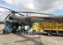 Se desploma helicóptero que transportaba ayuda humanitaria
