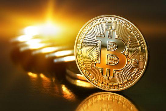 China suspende operaciones financieras con bitcoins