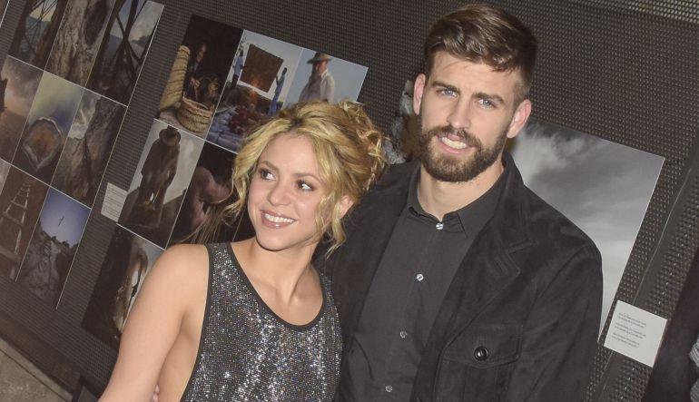Gerard Piqué desmiente separación de Shakira con foto familiar