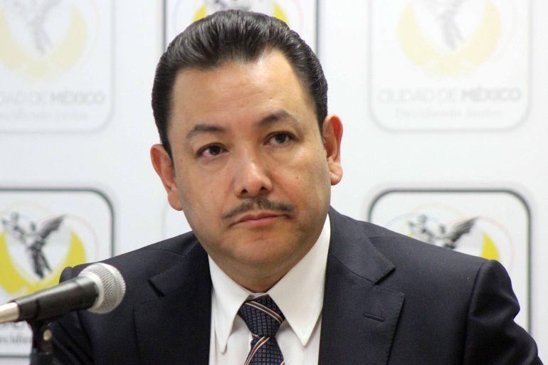 Héctor Serrano presenta renuncia a Mancera... su 'querido jefe'