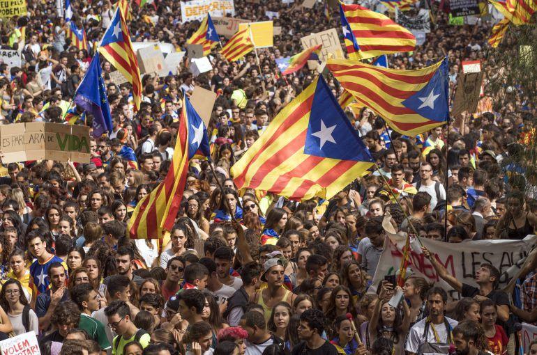 Lo que debes de saber sobre el desafío independentista catalán