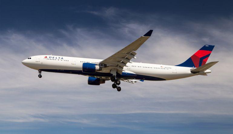 Aerolínea ofrece WhatsApp y Facebook Messenger gratis en sus vuelos