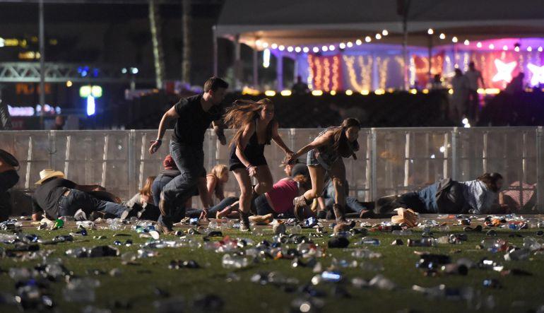 ¿Quién es el cantante de country que actuaba durante el tiroteo en Las Vegas?