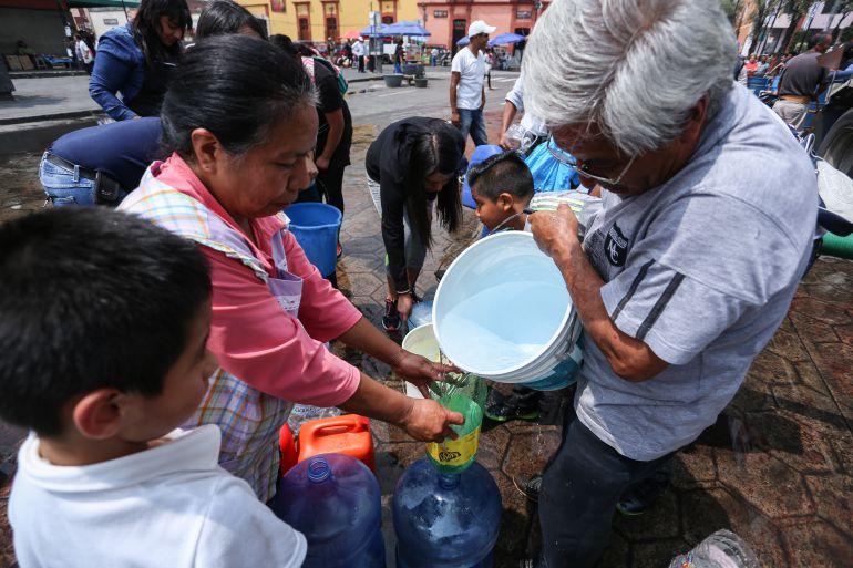 desabasto, agua, Iztapalapa: 350 mil personas siguen sin agua en Xochimilco, Iztapalapa y Tláhuac