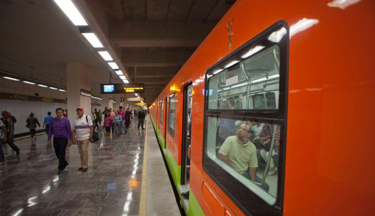Descubre las bacterias que viajan contigo en el Metro