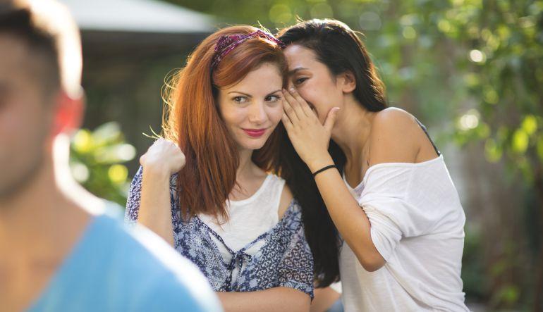 10 características de una persona chismosa