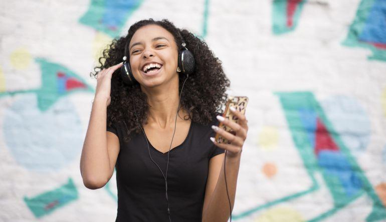 10 canciones que te harán sonreír