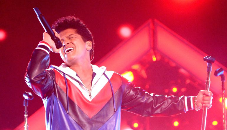 "Bruno Mars: Ya está disponible en YouTube la versión en español de ""Just The Way You Are"""