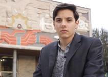 Joven mexicano gana premio por inventar sostén que ayudará a detectar cáncer de seno