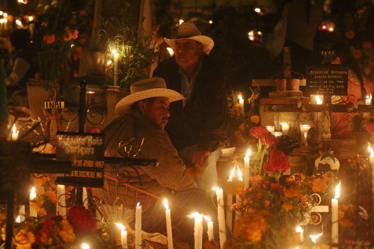 policías, panteones: Policía despliega operativo en panteones por Día de Muertos