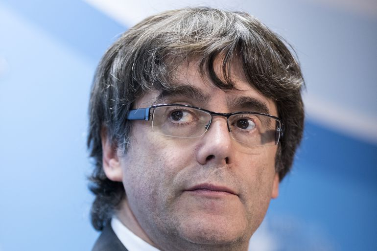 Juez estudia si dicta orden de detención para Puigdemont