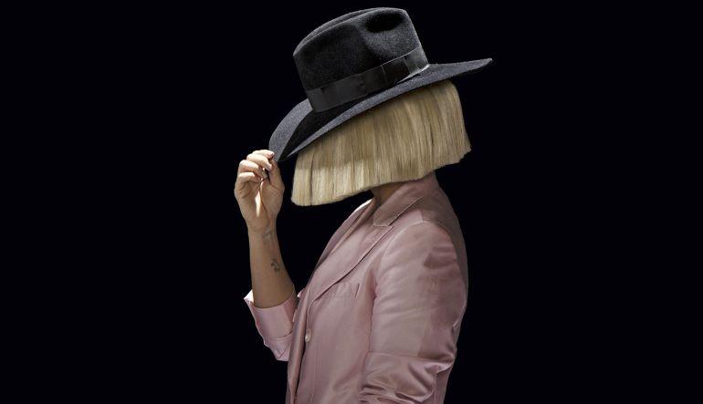 Sia: Sia publica foto desnuda por esta razón