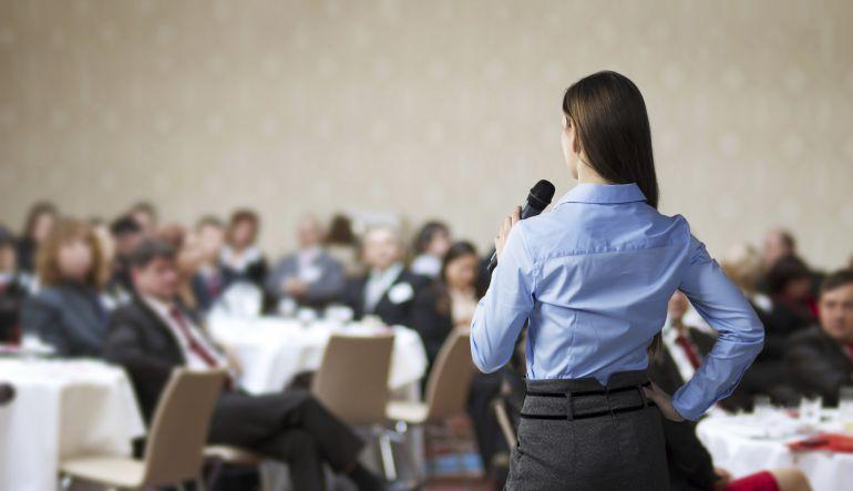 ¿Hablar en público? Pierde el miedo con estos 5 pasos