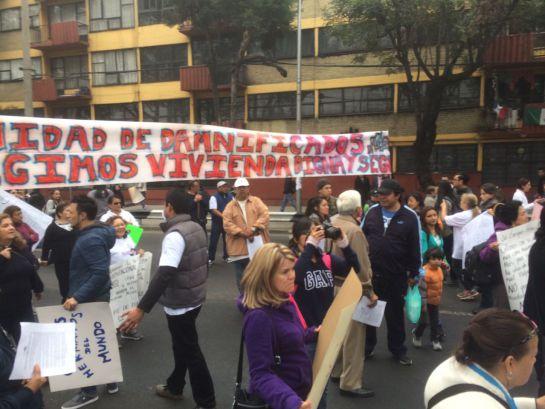 Sismo México: Con bloqueos en la CDMX, damnificados por el S-19 exigen apoyo