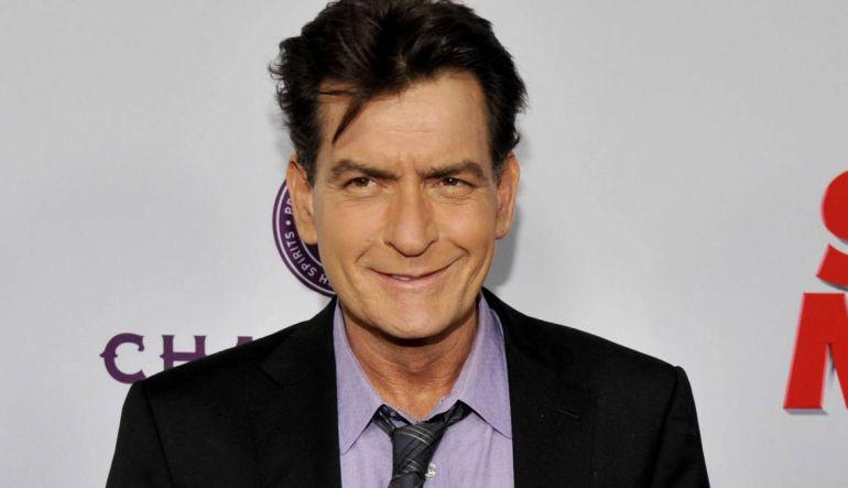 Charlie Sheen: Charlie Sheen es acusado de tener sexo con un actor menor de edad