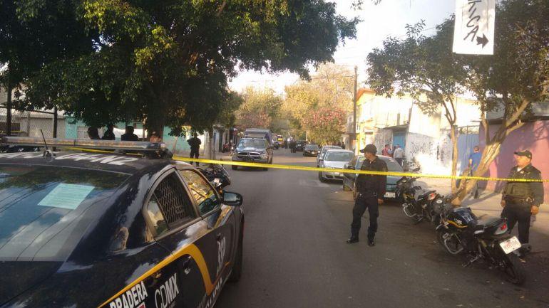 Ejecutan a dos jóvenes y lesionan a otro en Tláhuac