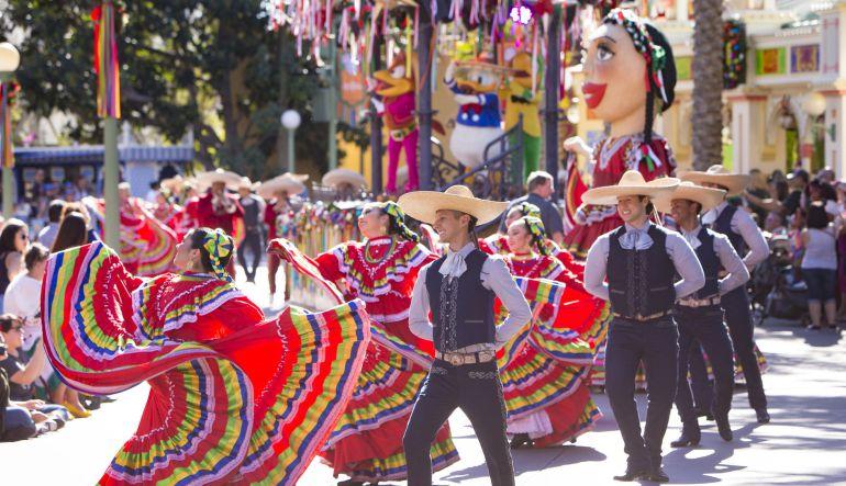 Disney vivirá una Navidad a la mexicana