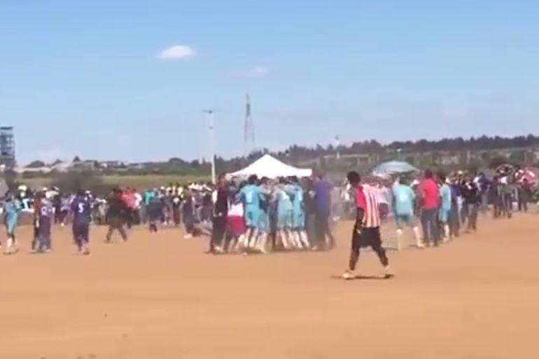 Video, Fresnillo, Zacatecas: Mata a jugador en partido de futbol