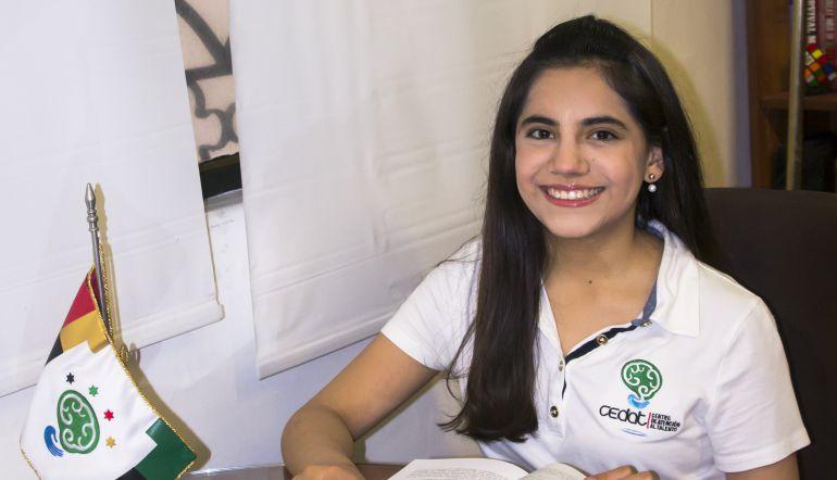 Maestría: Joven mexicana termina maestría a los 16 años