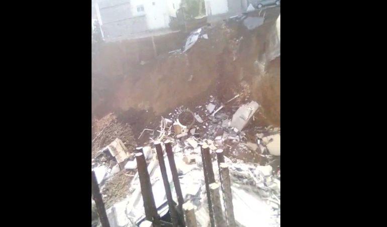 Video, Monterrey, construcción: Derrumbe en Monterrey deja un muerto y varios desaparecidos
