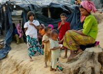 Niños rohinyas refugiados en Bangladesh hacen dibujos a modo de terapia