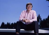 Bill Gates cuenta cuáles son sus libros favoritos el 2017 [Video]