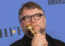 Guillermo Del Toro triunfa en los Globos de Oro