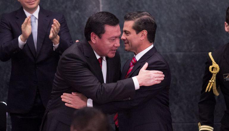 Sale Osorio Chong entra Navarrete Prida