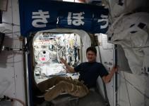 Astronauta da 'el estirón'
