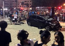 Automóvil arrolla a 15 personas en Brasil