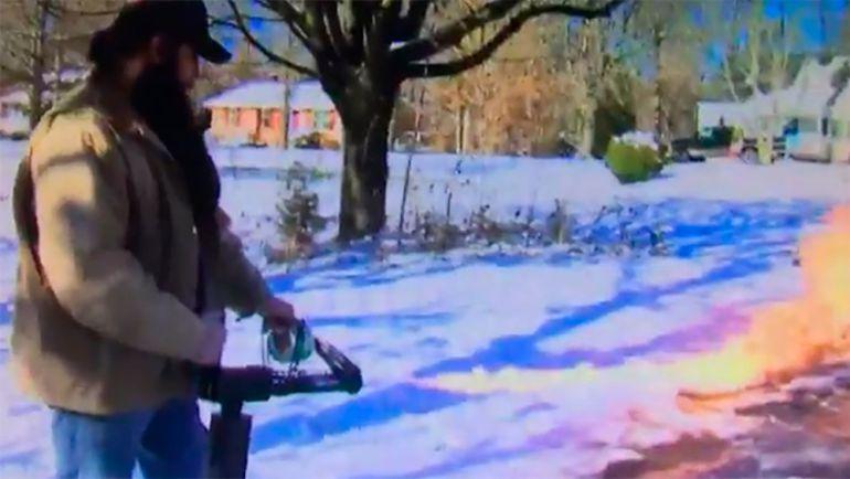 Lanzallamas, Estados Unidos, Nieve,: Usa lanzallamas para quitar nieve