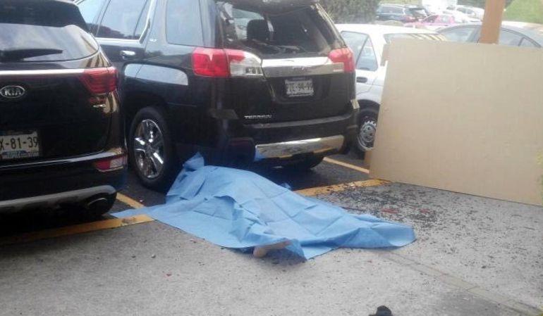 Suicidio, Hospital: Hombre se arroja del sexto piso del Hospital Ángeles