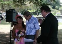 Olvida que es casado y propone matrimonio por culpa del Alzheimer