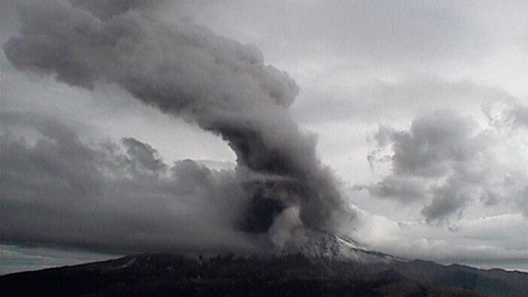 explosión, Popocatépetl: El volcán Popocatépetl registra fuertes explosiones