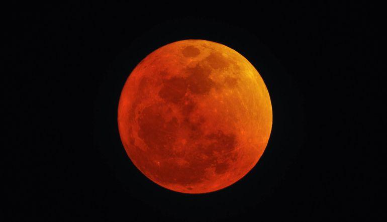 Habrá Superluna azul después de 150 años