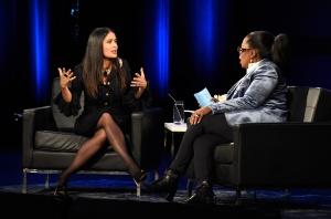 Revela Salma Hayek amenazas de Weinstein