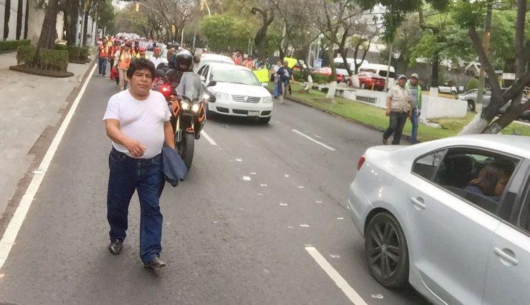 Manifestantes llegan a Los Pinos