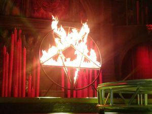 Llega el Cabaret Maldito al Circo de los Horrores