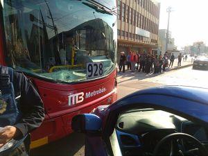 choque, Metrobús, L7: Choca unidad del nuevo Metrobús de la Línea 7