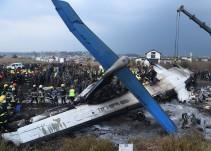 Avión se estrella en Nepal; hay 49 muertos