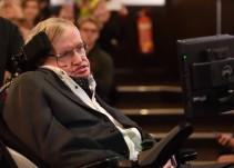 Muere el físico británico Stephen Hawking a los 76 años de edad