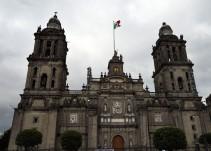 Video del Rayo que cae en la Catedral Metropolitana