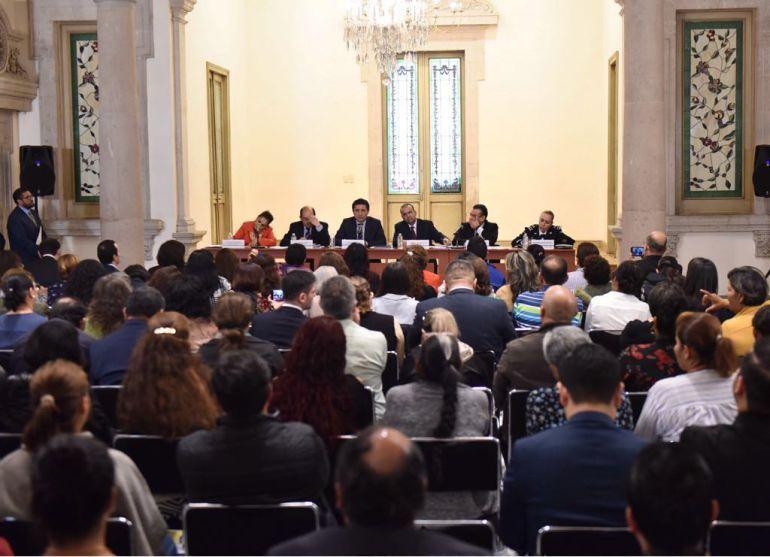 Se reúne Navarrete Prida con familiares de desaparecidos