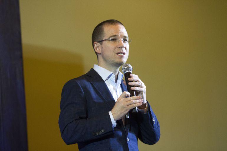 Presenta Ricardo Anaya su propuesta de apoyo a los dreamers
