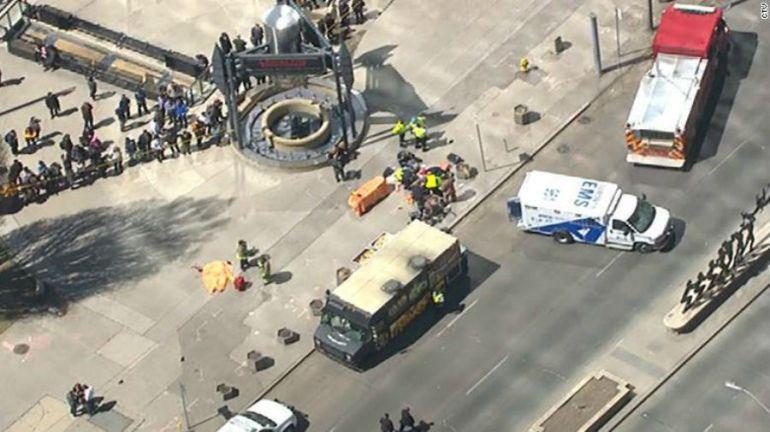 Toronto, atropellamiento: Nueve muertos y 16 heridos en atropello múltiple en Toronto