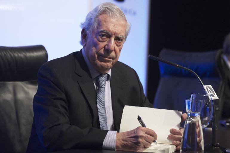Gestión de AMLO podría empujar a México al desastre: Vargas Llosa