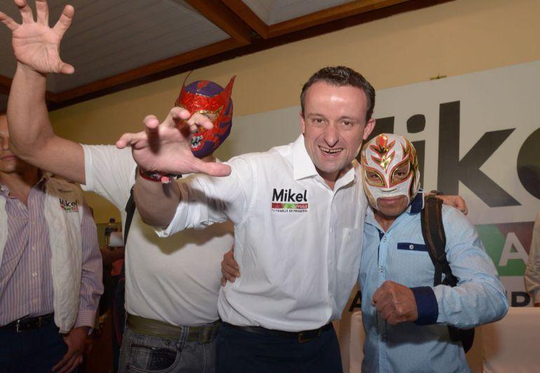 Más de 80 organizaciones se suman a la campaña de Mikel Arriola