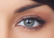 Nueva moda ocular; joyas en los ojos